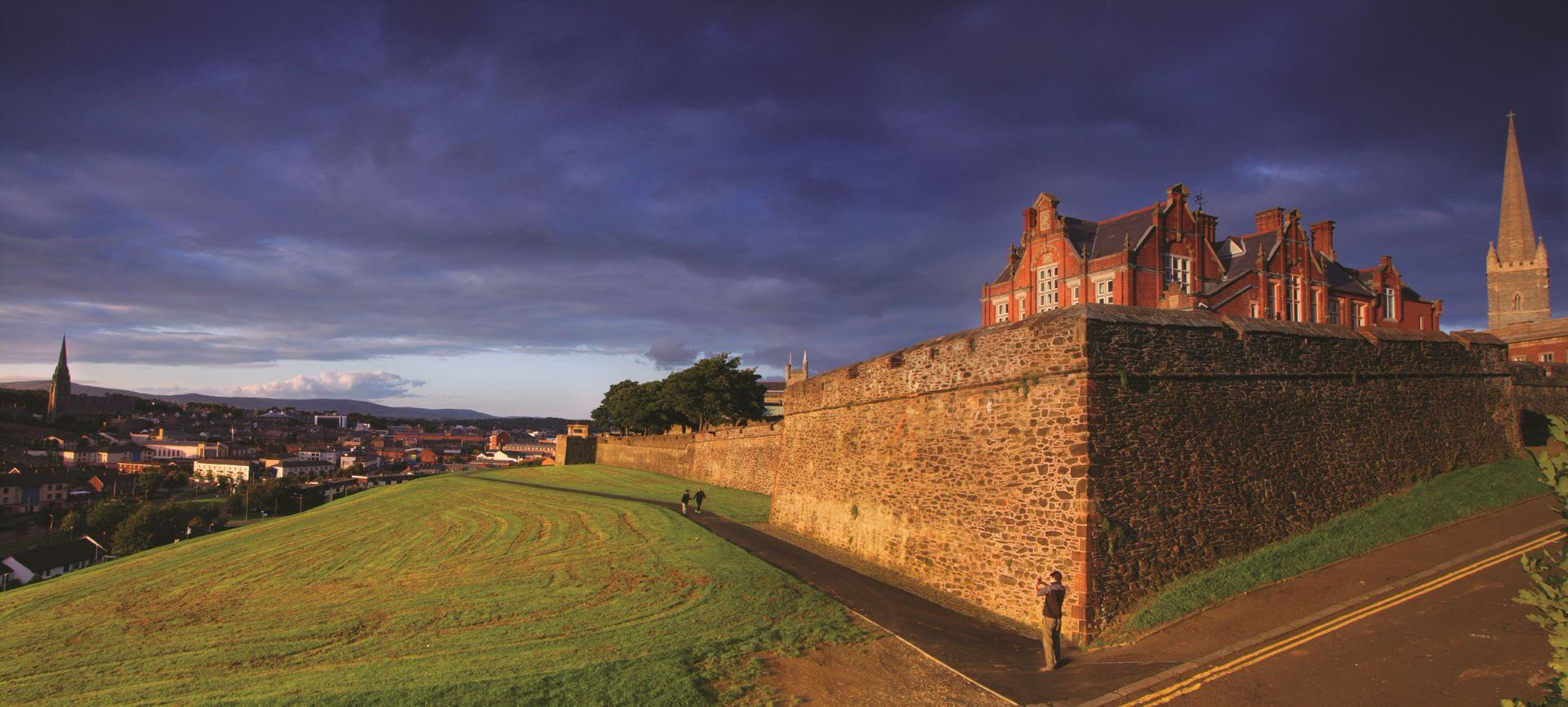 Walls of Derry & House